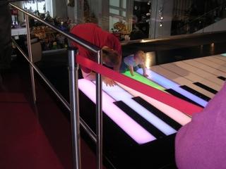 brenden_piano_1.thumb.jpg